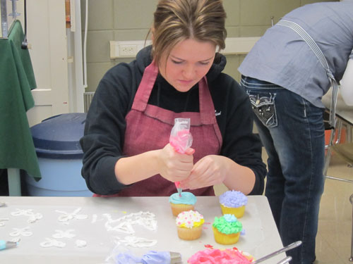 Cake Decorating with Mrs. Hurlbert